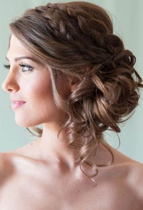 Most-Romantic-Bridal-Updos